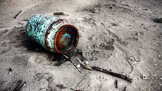 Idee d'arredo utilizzando il legno che le mareggiate portano a riva