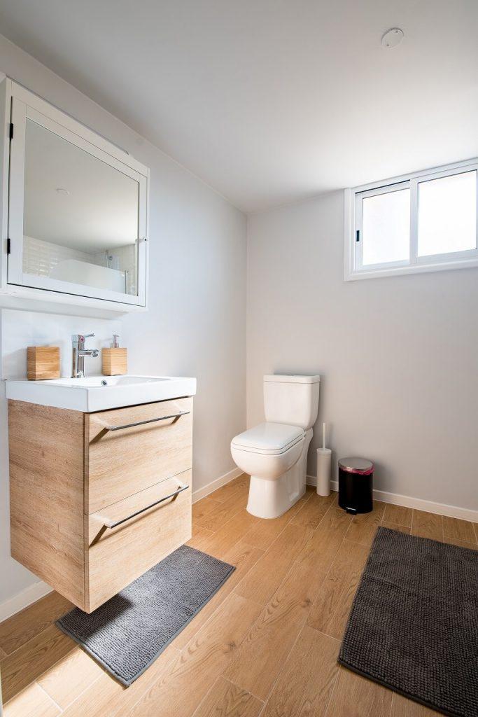 Pavimento per un bagno in legno